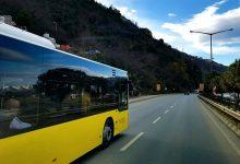 为何新西兰公交车要求学生和小孩从前门下车?