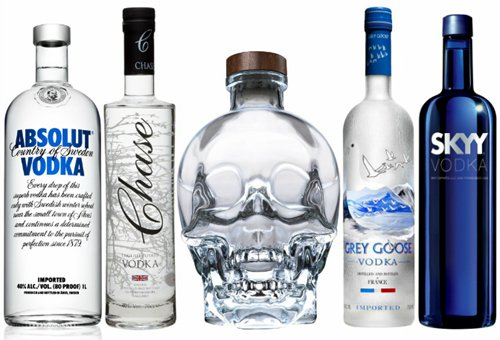 drink-vodka-in-bar