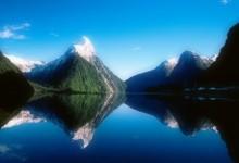 新西兰峡湾国家公园Fiordland National Park