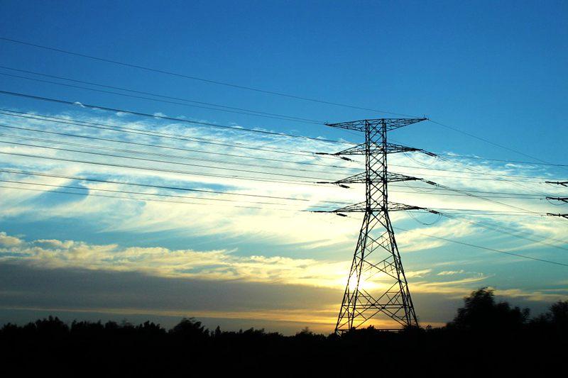 house-near-power-line-issue
