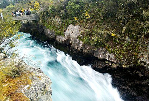 huka-falls-waikato-river