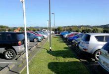 在新西兰,如何确定一辆二手车的市场价格?