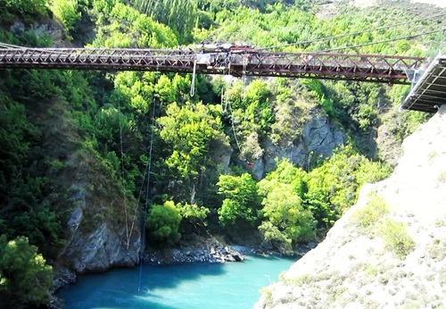 queenstown-kawarau-bridge-bungy