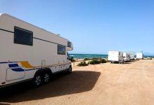 自主型露营车 Self-contained campervan