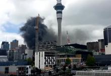 奥克兰天空城会议中心施工引发大火,火势失控