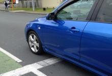新西兰司机停车越线的坏毛病