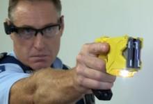新西兰警方武器-胡椒喷雾和泰瑟枪