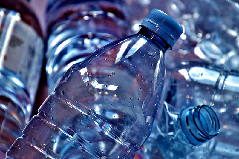 使用饮料瓶制作滴灌