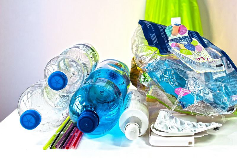 what-you-can-put-and-prohibited-stuff-to-recycling